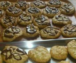 Ciastka z białek z orzechami włoskimi