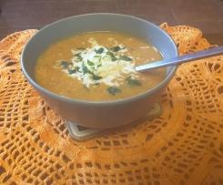 Zupa z soczewicy z mozarellą