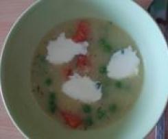 Zupa ziemniaczana z wedzonym lososiem